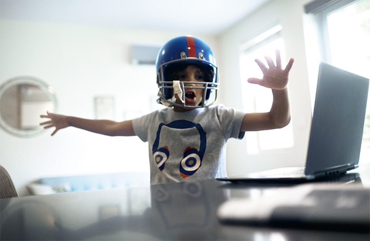 Helmet playing